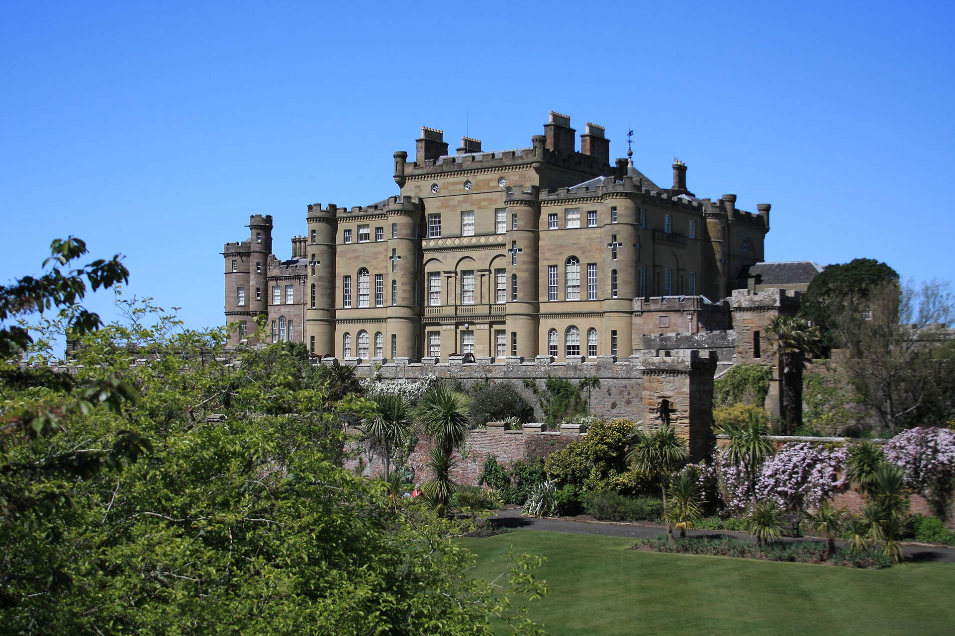 Culzean-Castle-rear